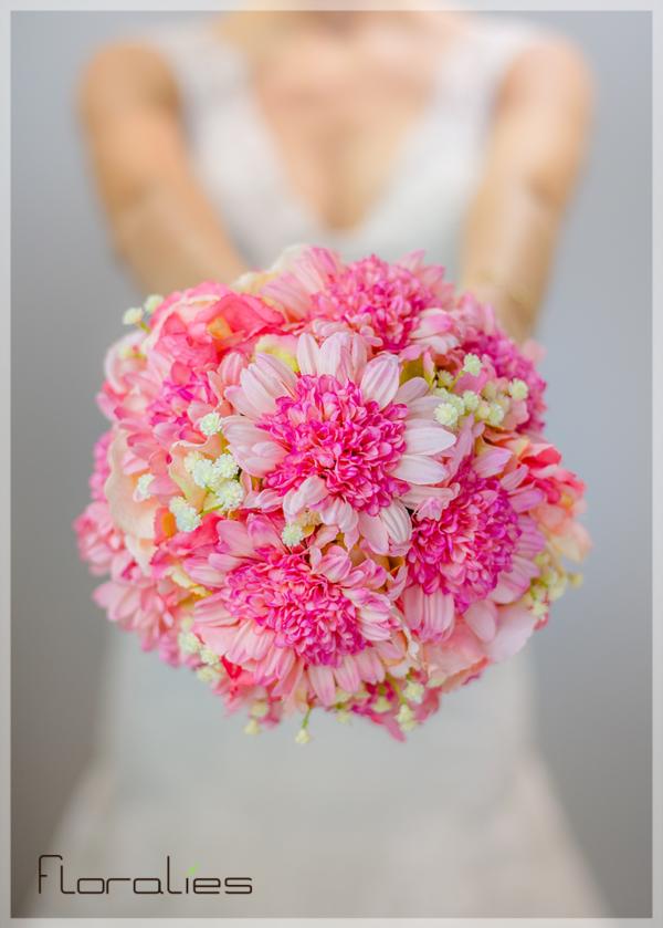 Les Hortensias et Anémones en bouquet