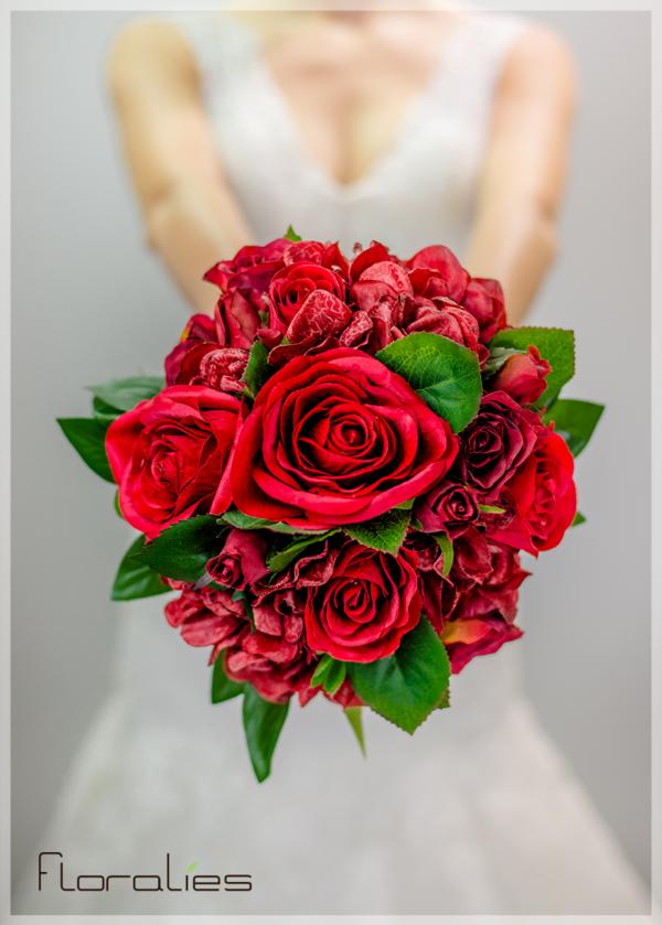 Les Roses et Hortensias en bouquet