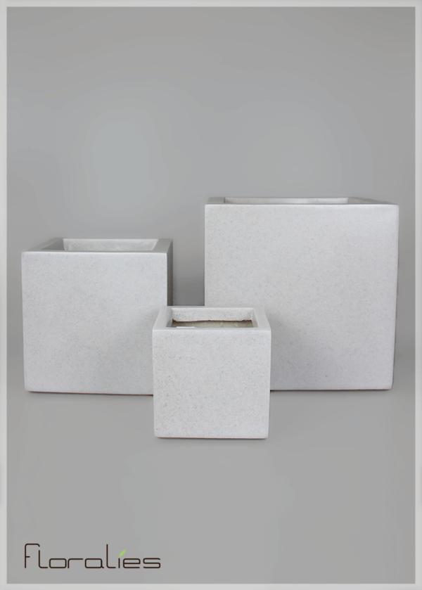 Pot carré gris décoratif