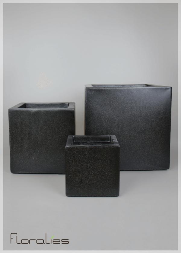 Pot carré noir décoratif